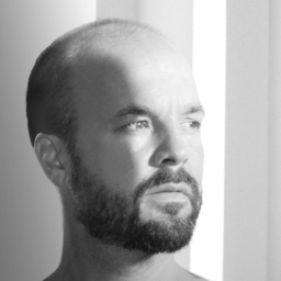 Dennis Pfisterer - Saint Elmo's Group - Berlin