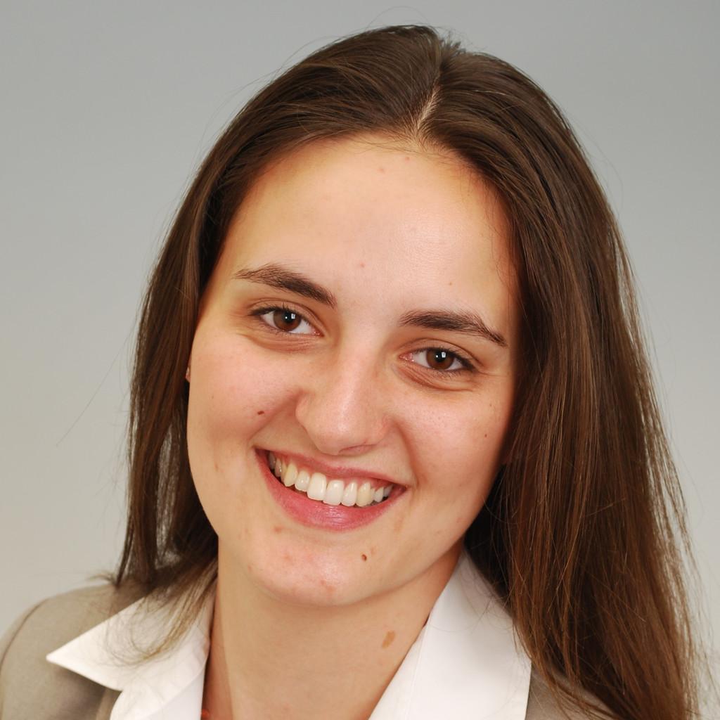 <b>Astrid Riegler</b> - Associate Audit - KPMG AG Wirtschaftsprüfungsgesellschaft | ... - astrid-riegler-foto.1024x1024