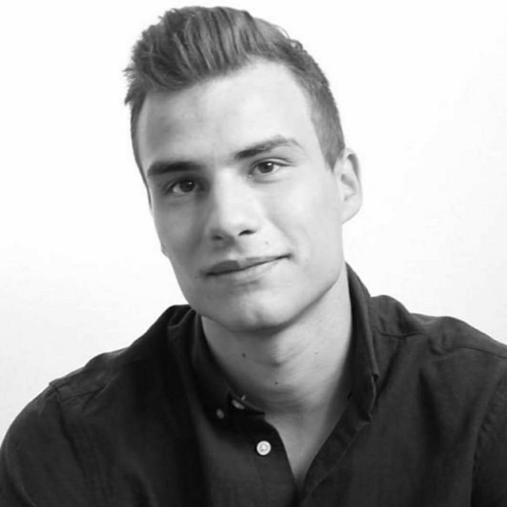 Artur Balschik - Wirtschaftsinformatik - Friedrich ...