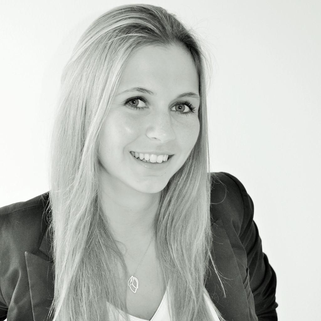 <b>Rebecca Jürgens</b> - Industriekauffrau - Berufsschule an der Bördestraße | XING - katharina-dilger-foto.1024x1024