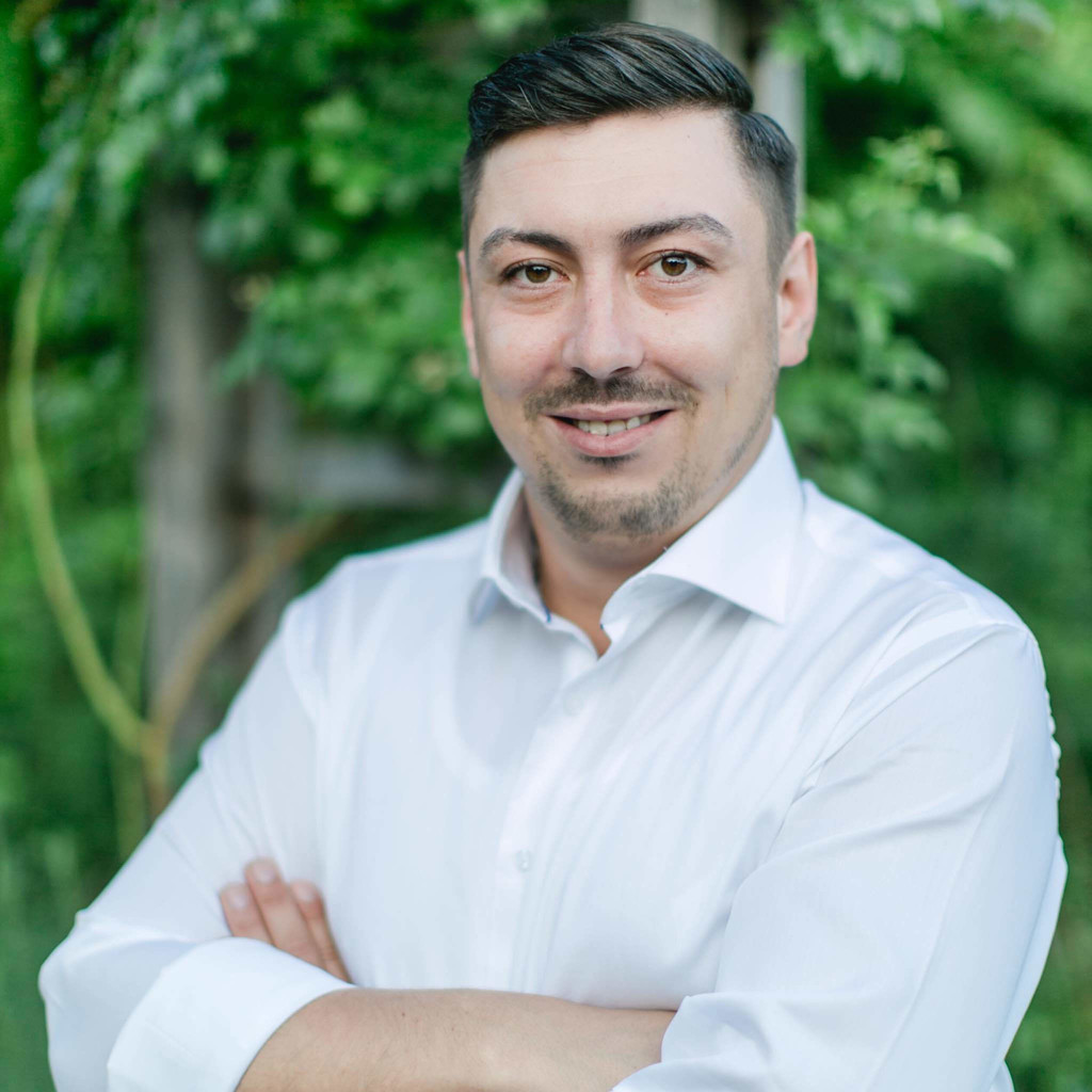 Alexander Erdmann Abteilungsleiter Warenannahme Ausgabe
