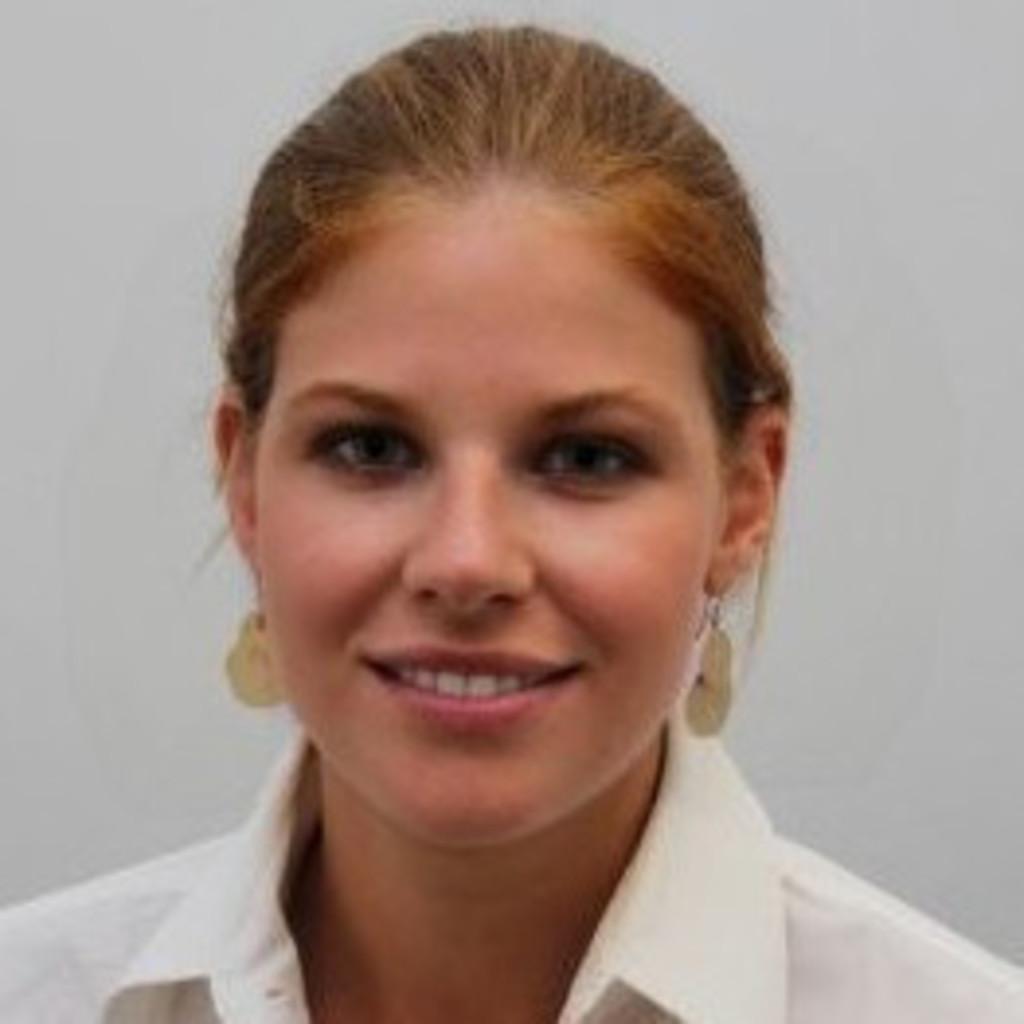 Franziska sanoner brand consultant brand trust gmbh xing for Brand consultant