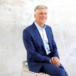 Dieter Murr - AXXCON GmbH & Co. KG  - Schwalbach