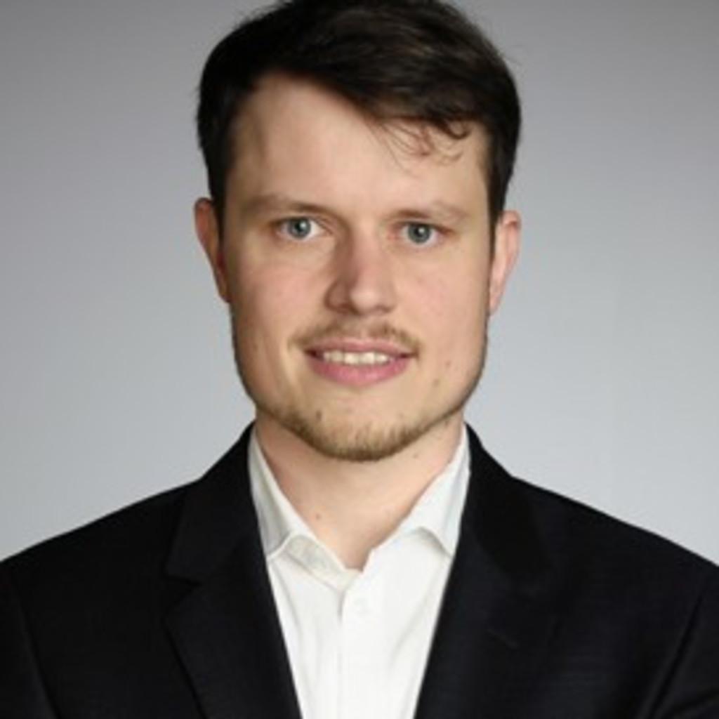 Henning Schlüter
