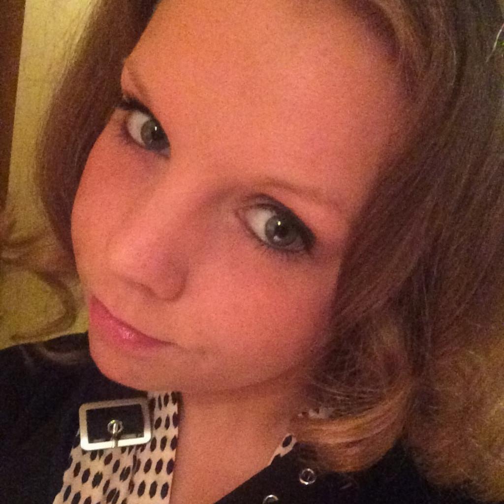 Julia Larsen - Kaufmännische Angestellte im Kundenservice - IWAN ...