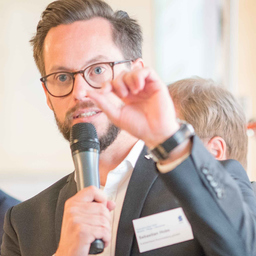 Sebastian Holm - Sana Kliniken AG - München