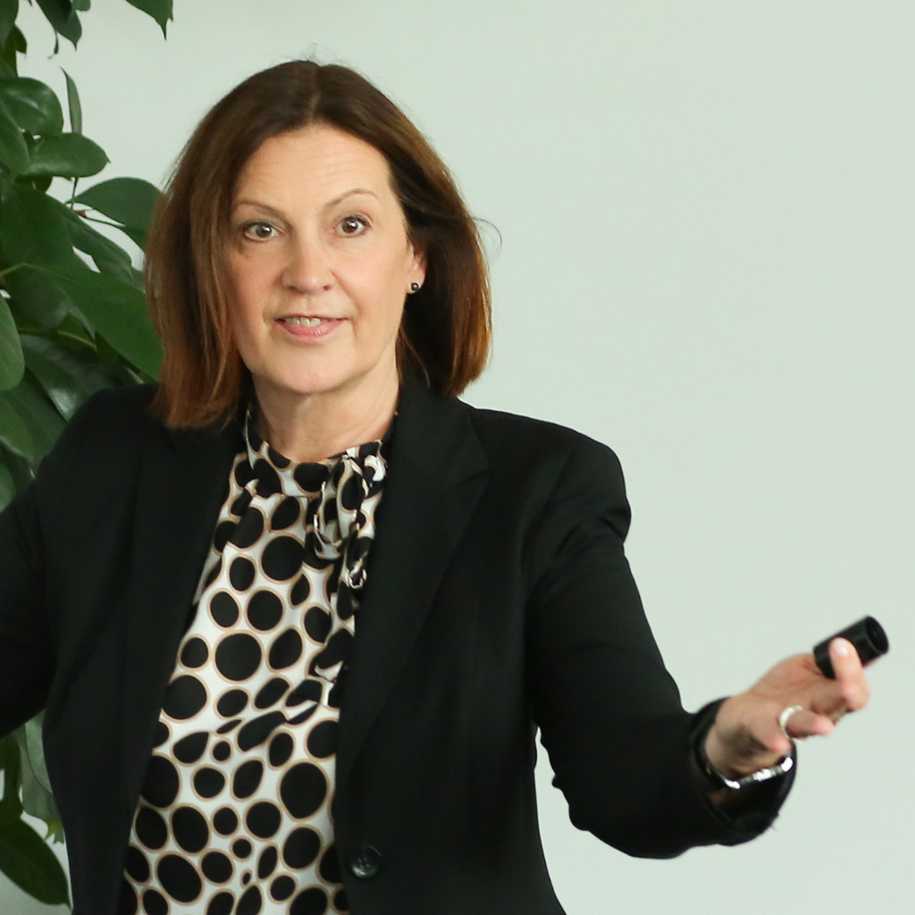 <b>Sonja Eitel</b> - Training &amp; Coaching (Vertrieb) - Partner NUTBASER GmbH | XING - sonja-eitel-foto.1024x1024