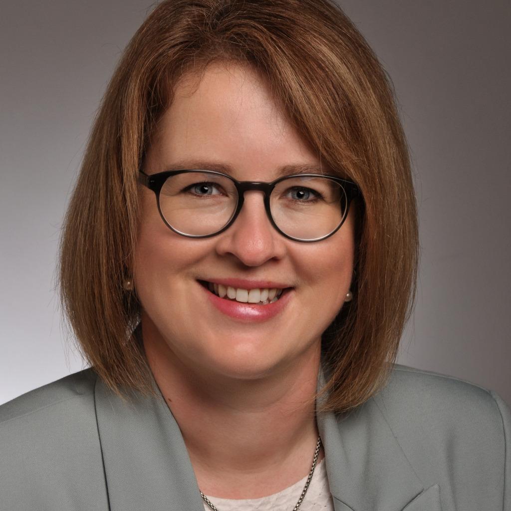 <b>Birgit Brückner</b> - Referentin der Geschäftsleitung & Leitung Hafenbehörde ... - sandy-matos-foto.1024x1024