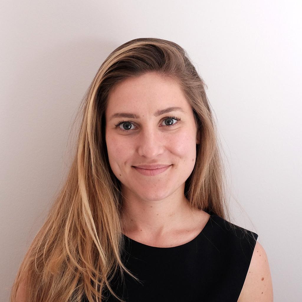 Valentina h rtel founder brand consultant oscar for Brand consultant