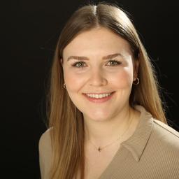 Isabella Kumm - AMD Akademie Mode & Design Düsseldorf - Dusseldorf