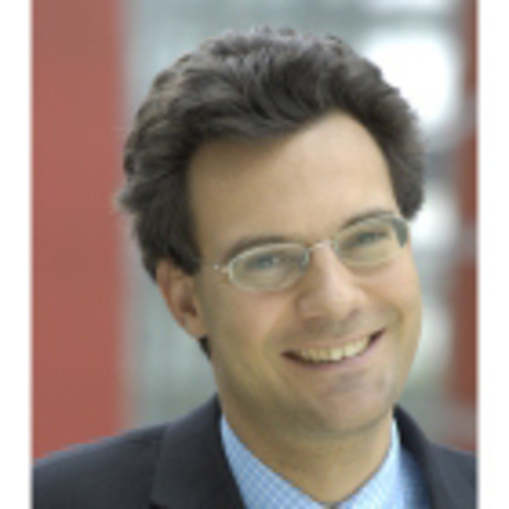 <b>Christian Voit</b> - Director Head of Fund Derivatives Structuring - Unicredit ... - christian-voit-foto.1024x1024