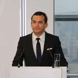 Dr. Manuel Herold
