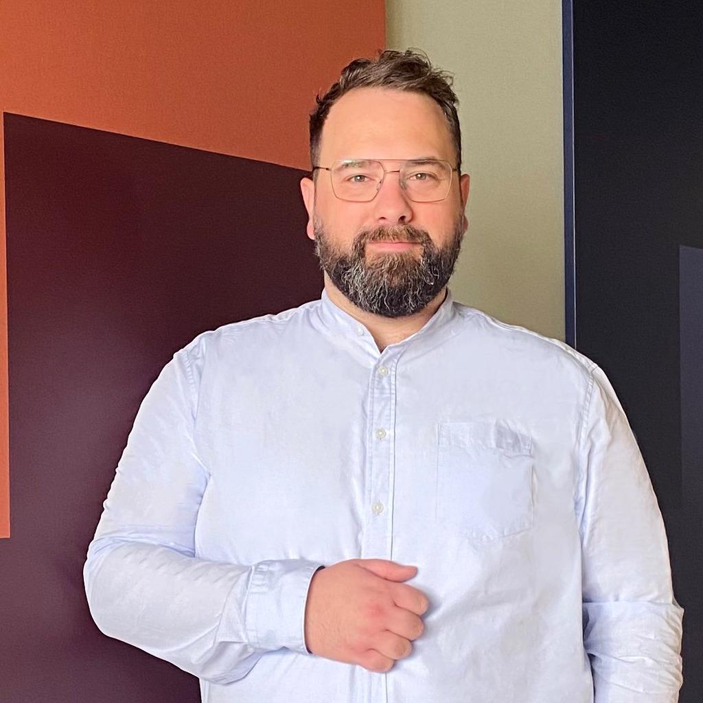 Marcel Ullrich - Colour Consultant & Assistant Showroom Manger ...