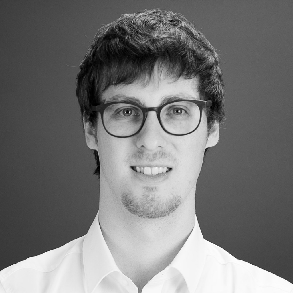 Florian rienecker junior consultant tme ag xing for Junior consultant