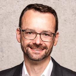 Lennart Ruhl - MDAX-Technologie-Unternehmen für Licht und Digitale Lösungen - Garching bei München