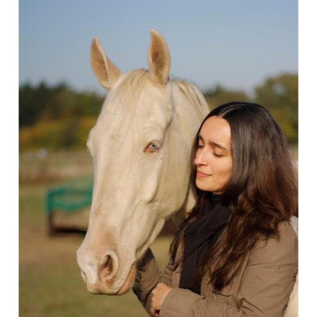 Sonia Mauceri - Bachlor of Animal Psychlogy / Pferde-Physiopraktiker ...