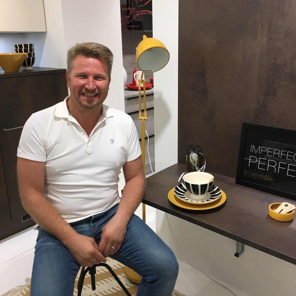 Michael Diemon - Küchenfachverkäufer - REDDY Küchen Münster | XING