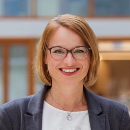 Sandra Lorenz - Sandra Lorenz Karriere + Kommunikation - Frankfurt am Main