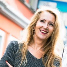 Dr. Olga Lackner