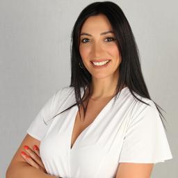 Esra Akay's profile picture