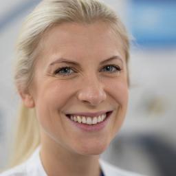 Dr. Laura Hake-Bobka