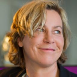 Gabi Lück - thinknewgroup , gmbh - inspiring people & brands - München