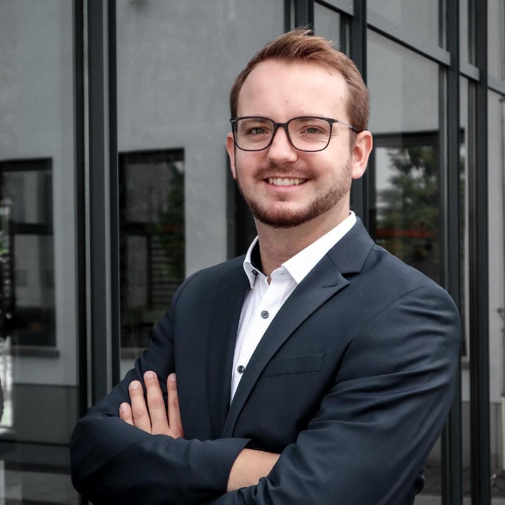Lukas Winkler in der XING Personensuche finden   XING
