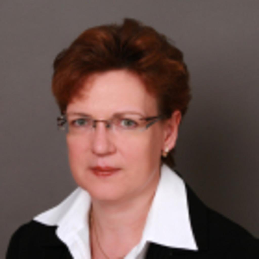 <b>Katharina Bulla</b> - Leiterin Objektverwaltung, Prokuristin - IMW-Prima GmbH | ... - katharina-bulla-foto.1024x1024