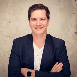 Dr. Dominic Lindner