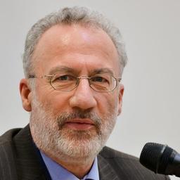 Dr. Günter Hörcher - Fraunhofer IPA - Stuttgart