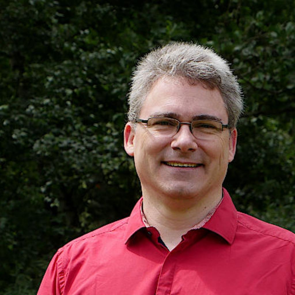 Eric Tiggemann - CRM System Architect / Senior CRM ...