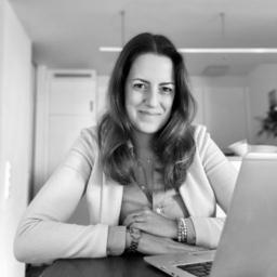 Jana Siering - R+V Allgemeine Versicherung AG - Stuttgart