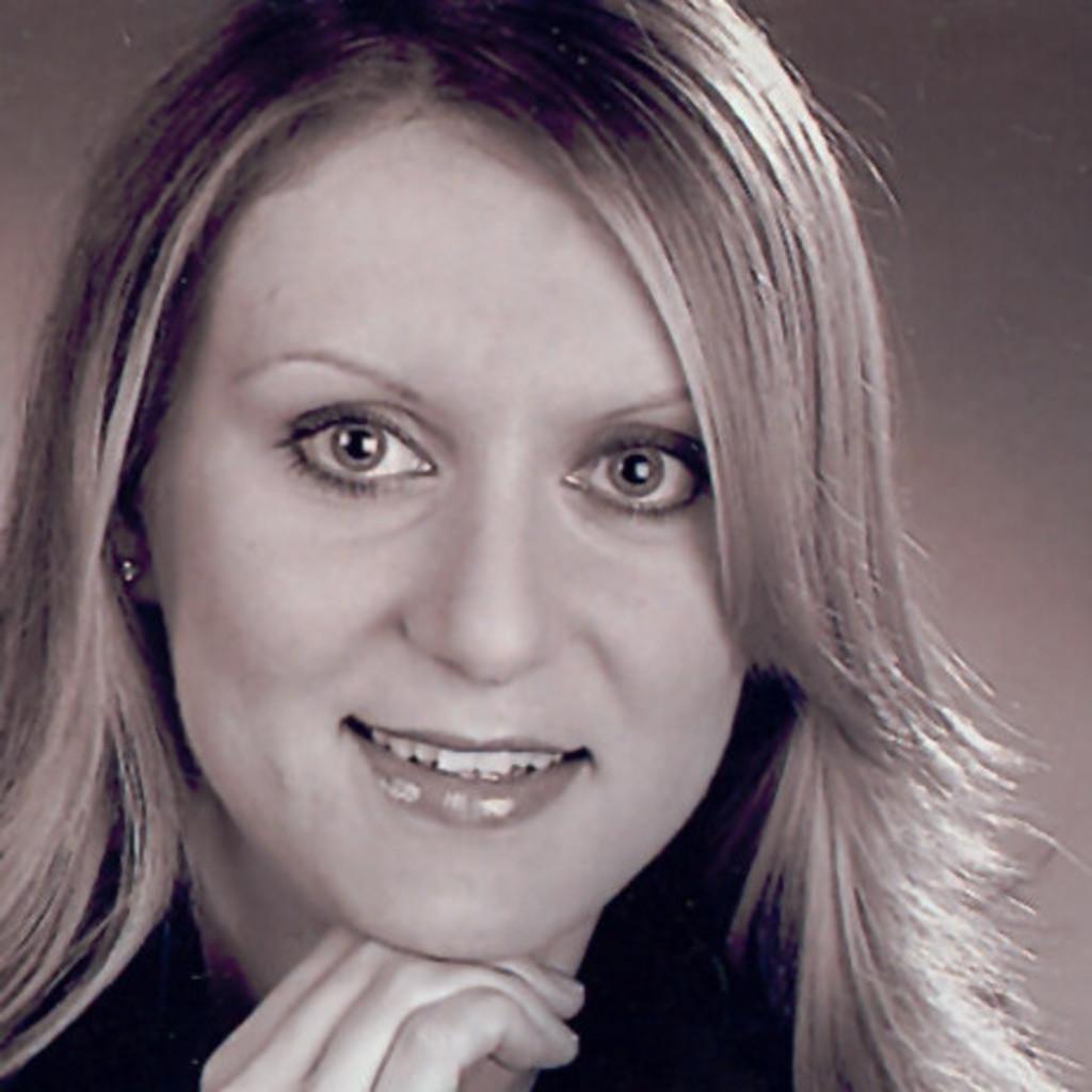 Heidi Heidelberg heidi heidelberg heidi steinbeck xing whaaaat burgundy