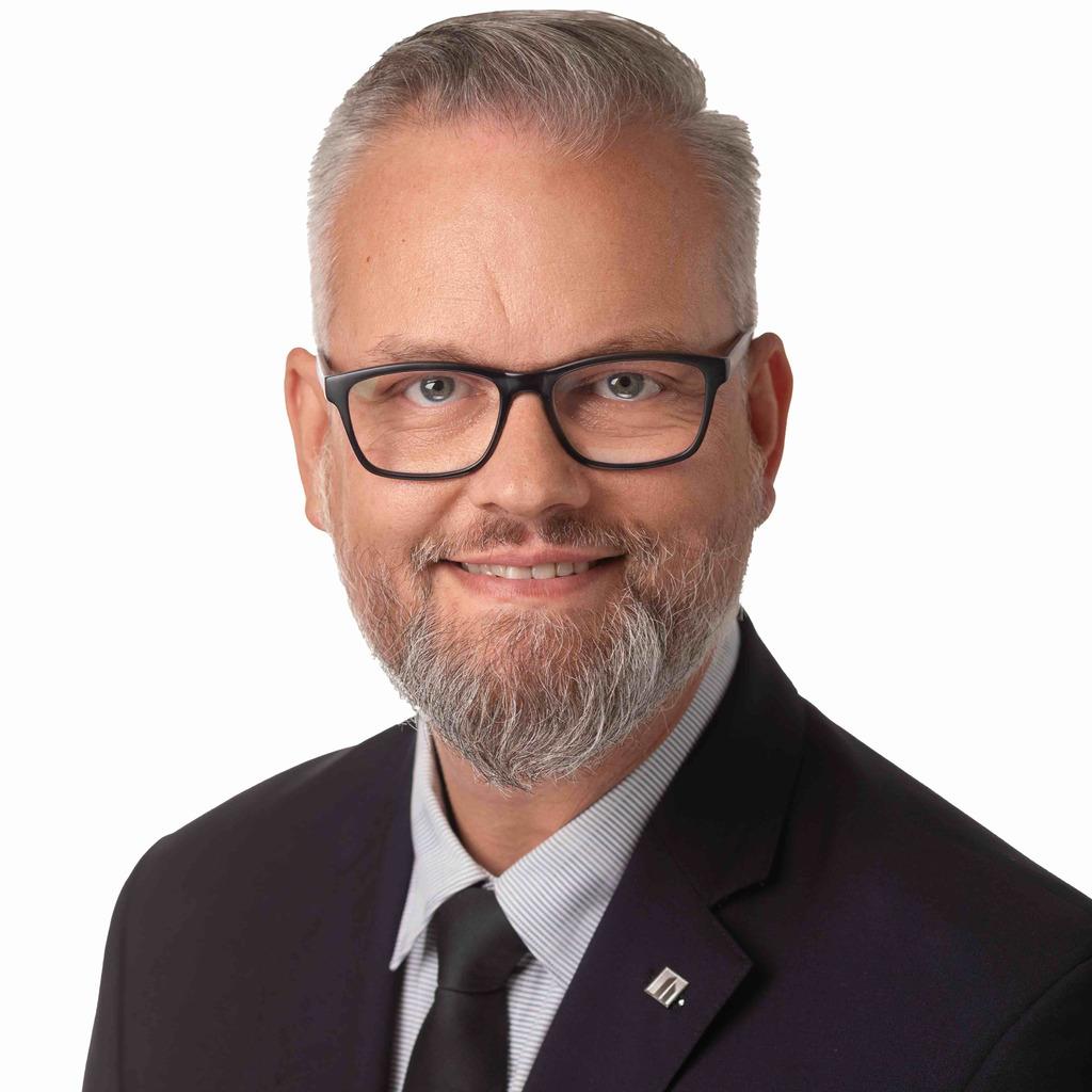 Sven Thiemann sven thiemann leitung firmenkunden handlungsbevollmächtigter