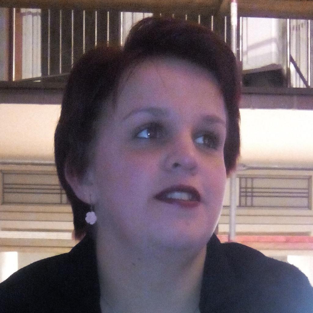 Sabine Krönke - Produktionshelfer - Adecco Personaldienstleistungen ...
