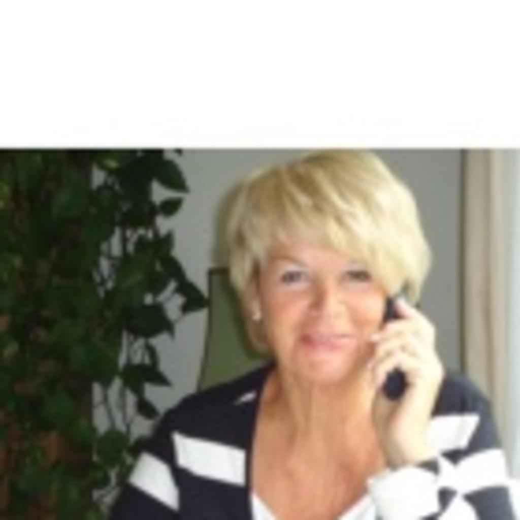 Senioren verlassen das Telefon aus dem Schneider