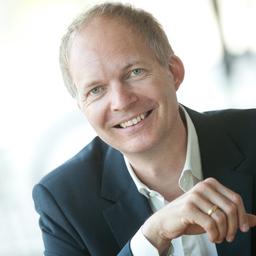 Nicolai Des Coudres - Keynote. Moderation. Magie - München