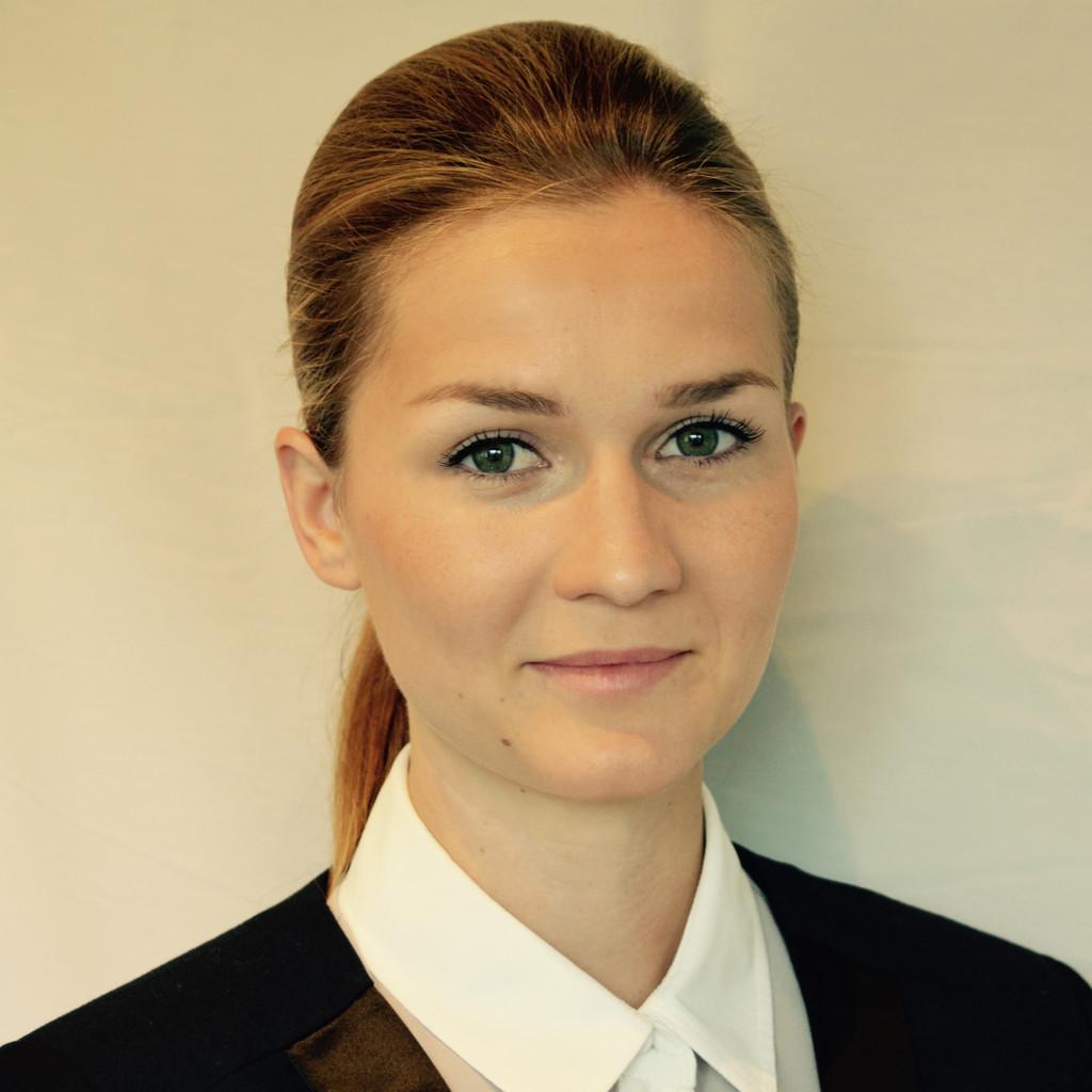 Julia Dirks's profile picture