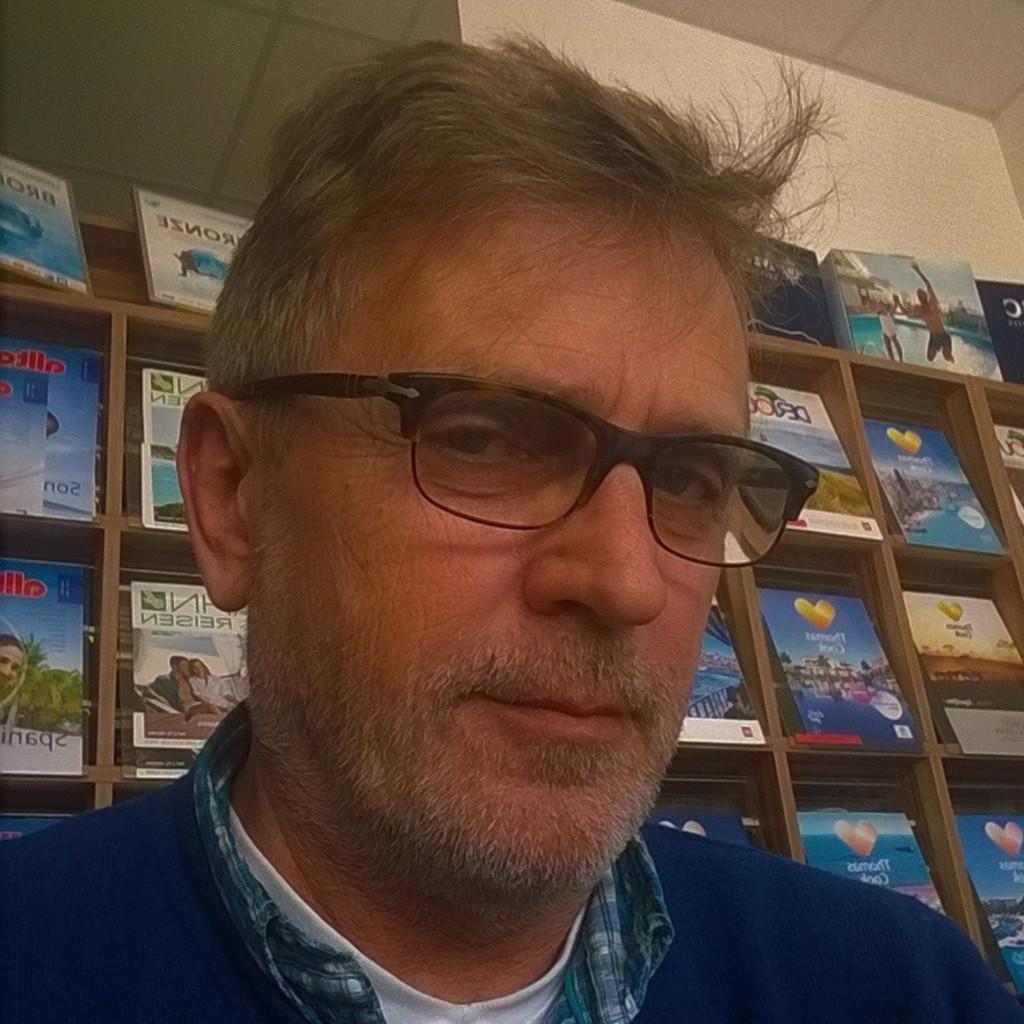 Michael hofer inhaber reiseb ro station r und online for Michael hofer