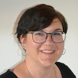 Petra huber category manager weltbild verlag xing for Verlag weltbild