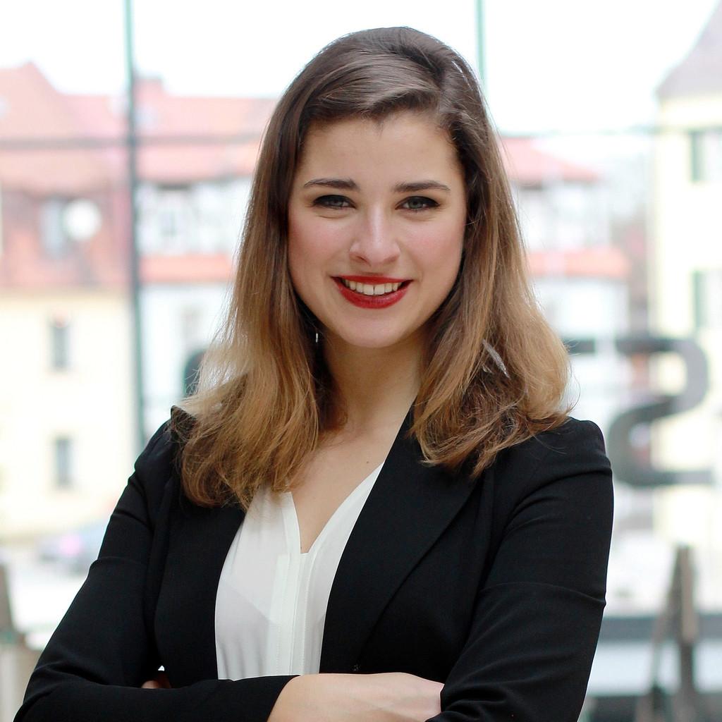 Stella Tiana Stegmann - Bereichsleitung Akquise - consult