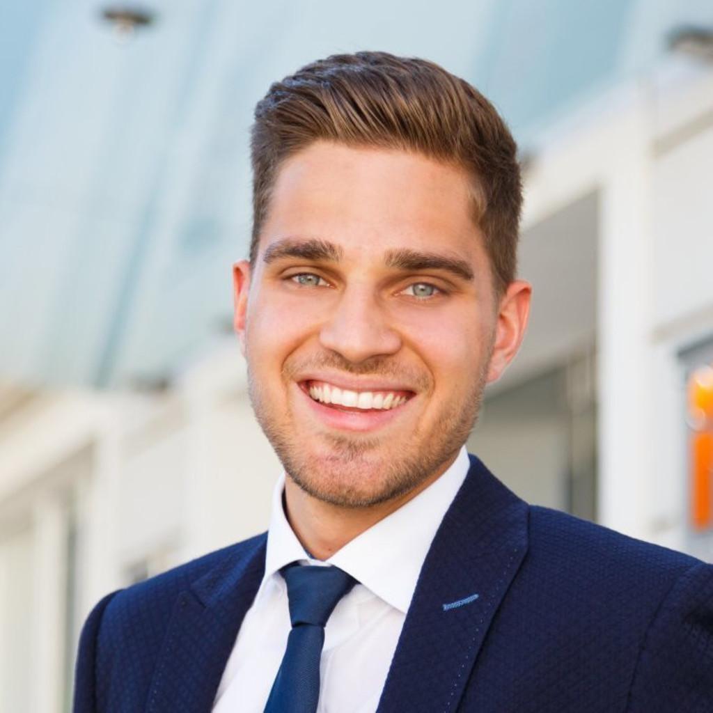 Felix solochewitz junior consultant tagueri ag xing for Junior consultant