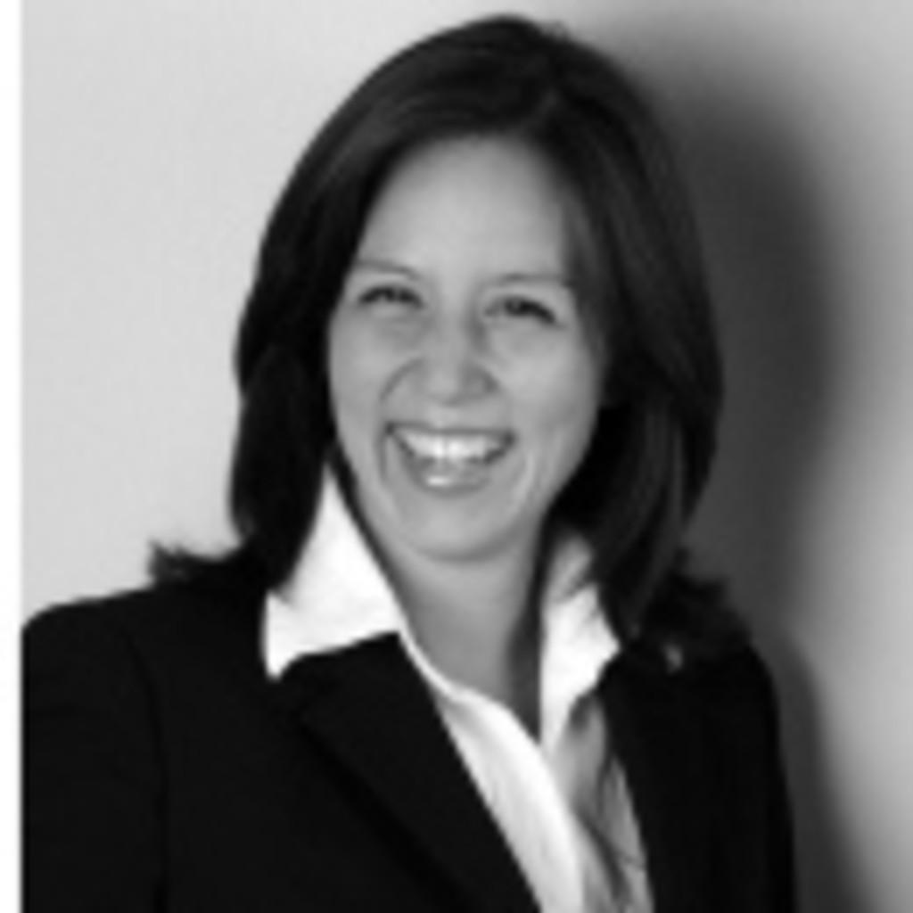 <b>Janine Beck</b> - Assistentin der Geschäftsführung - BOLDER Arzneimittel GmbH ... - nina-namba-foto.1024x1024