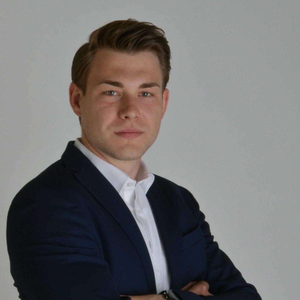 Benedikt Kuhn