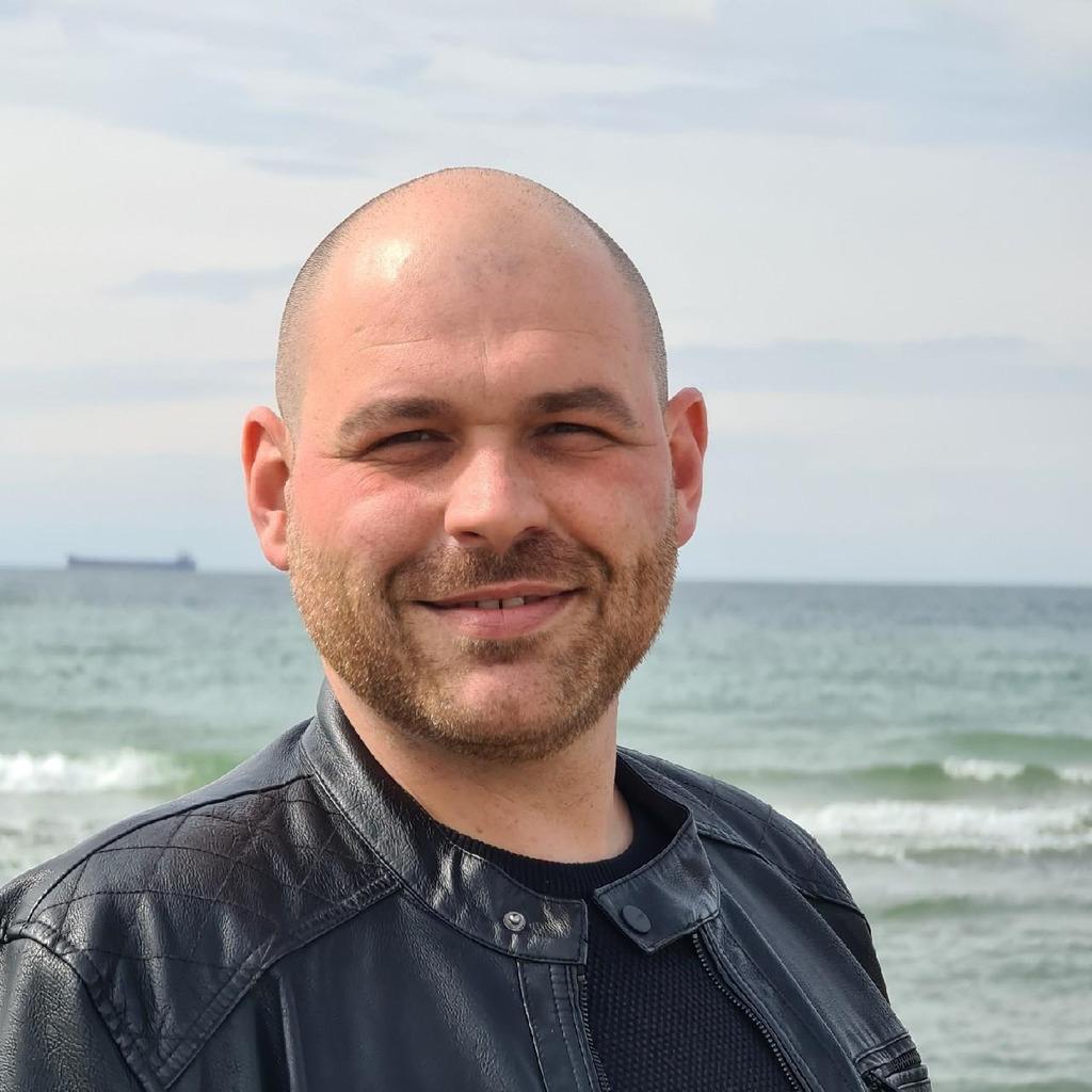 Tobias Ahrens