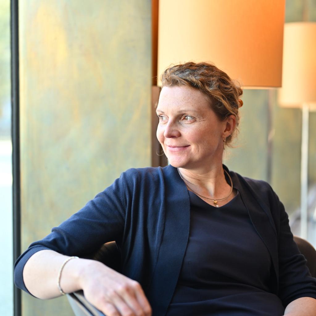 Mag. Cornelia Oeffner - Inhaberin - Oeffner Direktsuche   XING