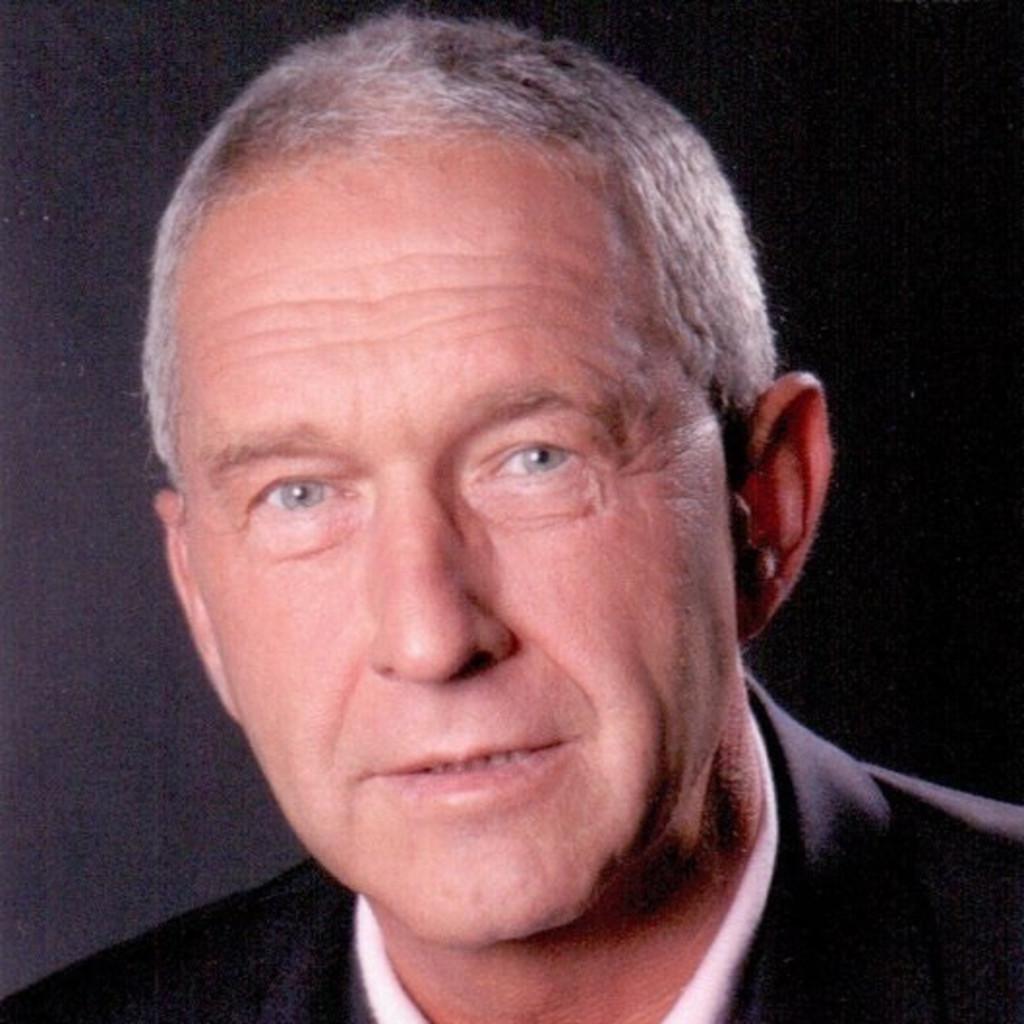 Wolfgang Sauer Versicherungsfachmann Ihk Im Verkauf