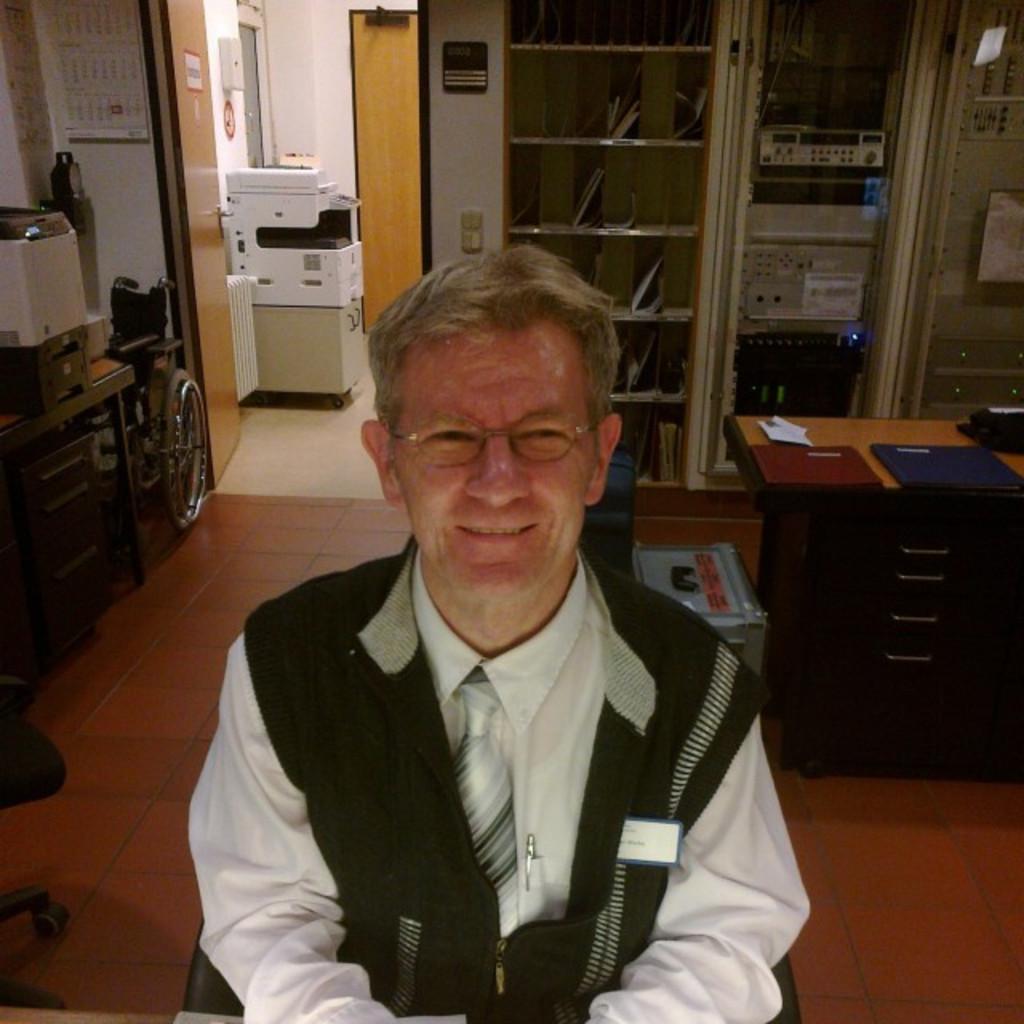 Hans-Jürgen Worbs - Rezeptionist - krankenhaus | XING