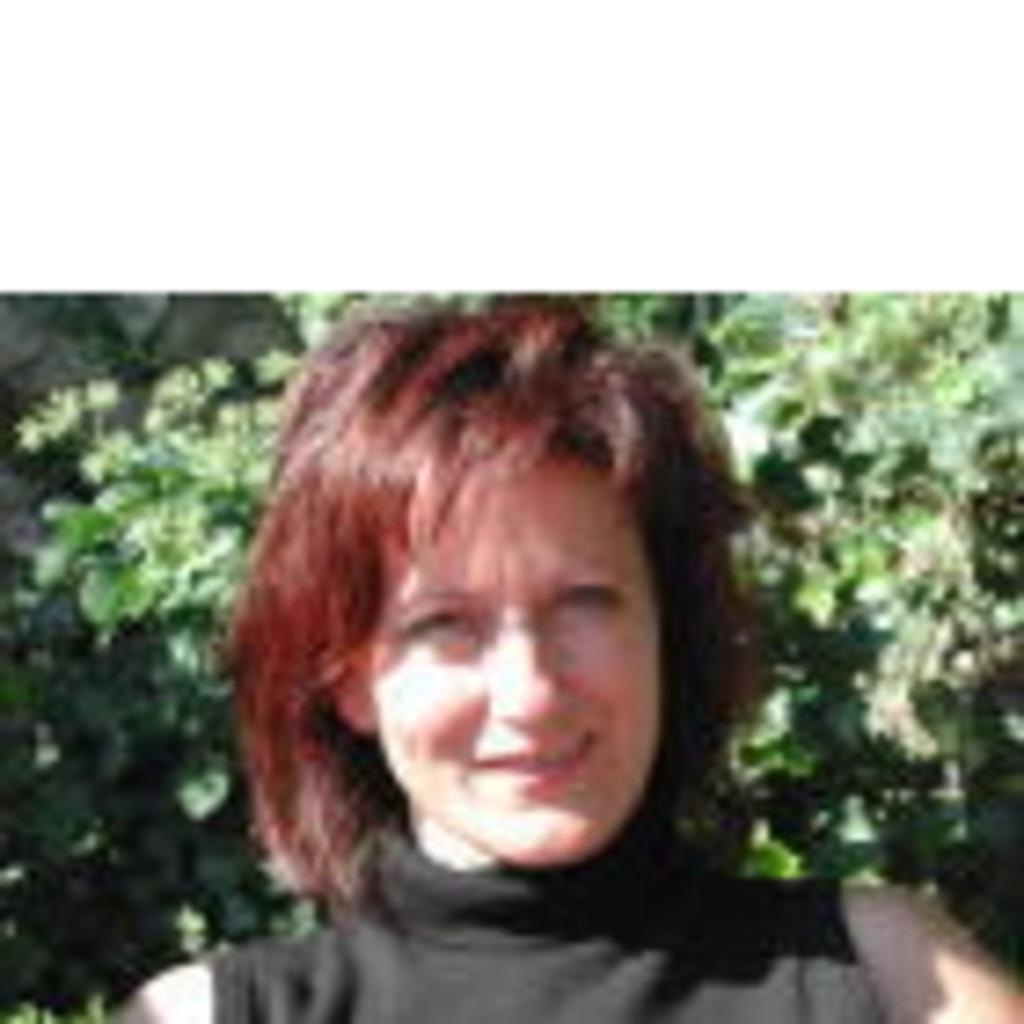 Alice Schmid salary