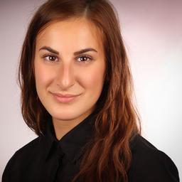 Ariana Khesravi